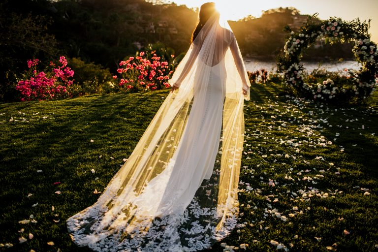 Tom Moks Photography - wedding garden sayulita