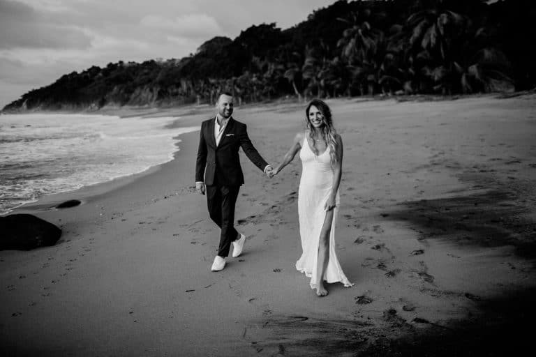 Tom Moks Photography - black and white beach wedding photo sayulita